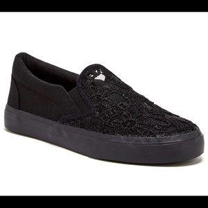 BUCCO Women's Destry Lace Slip on Sneaker, Size 8